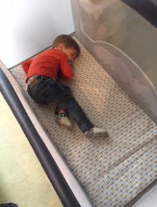 Autour de Bébé Babybus Barbapapa - lit Ouistiti allongé