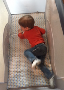 Autour de Bébé Babybus Barbapapa - lit Ouistiti allongé2