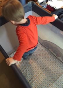 Autour de Bébé Babybus Barbapapa - lit Ouistiti saute2