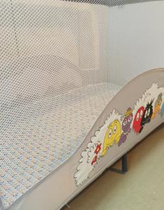 Autour de Bébé Babybus Barbapapa - lit toile