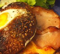 Recettes & Cabas - Bagle aux oeufs et bacon