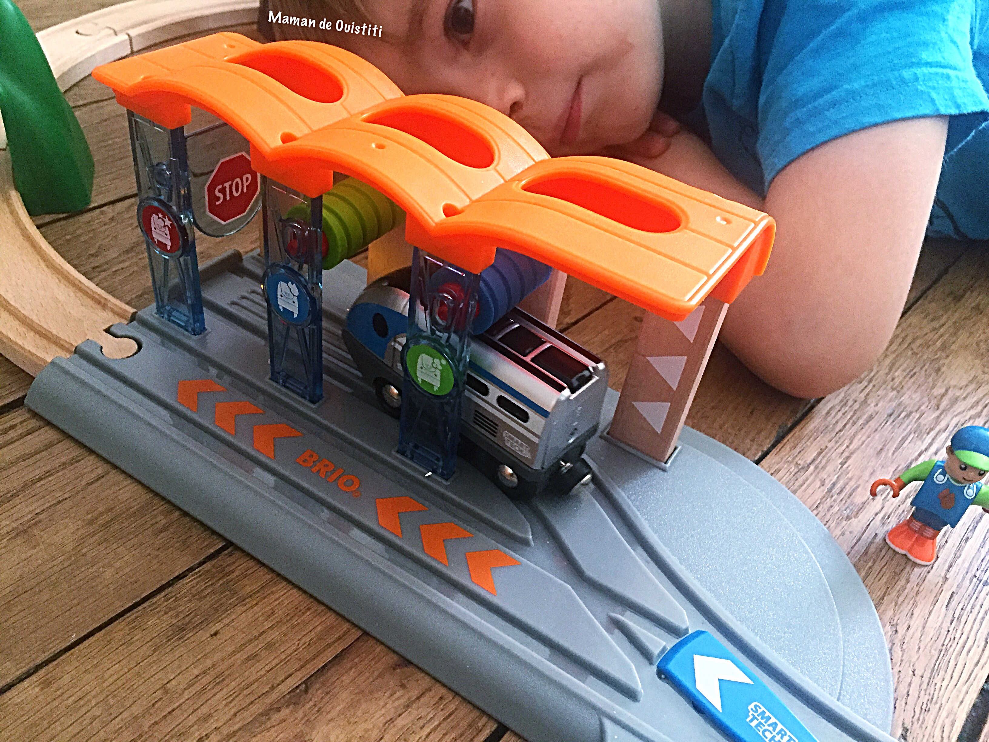 Brio - Smart Tech - trains - locomotive