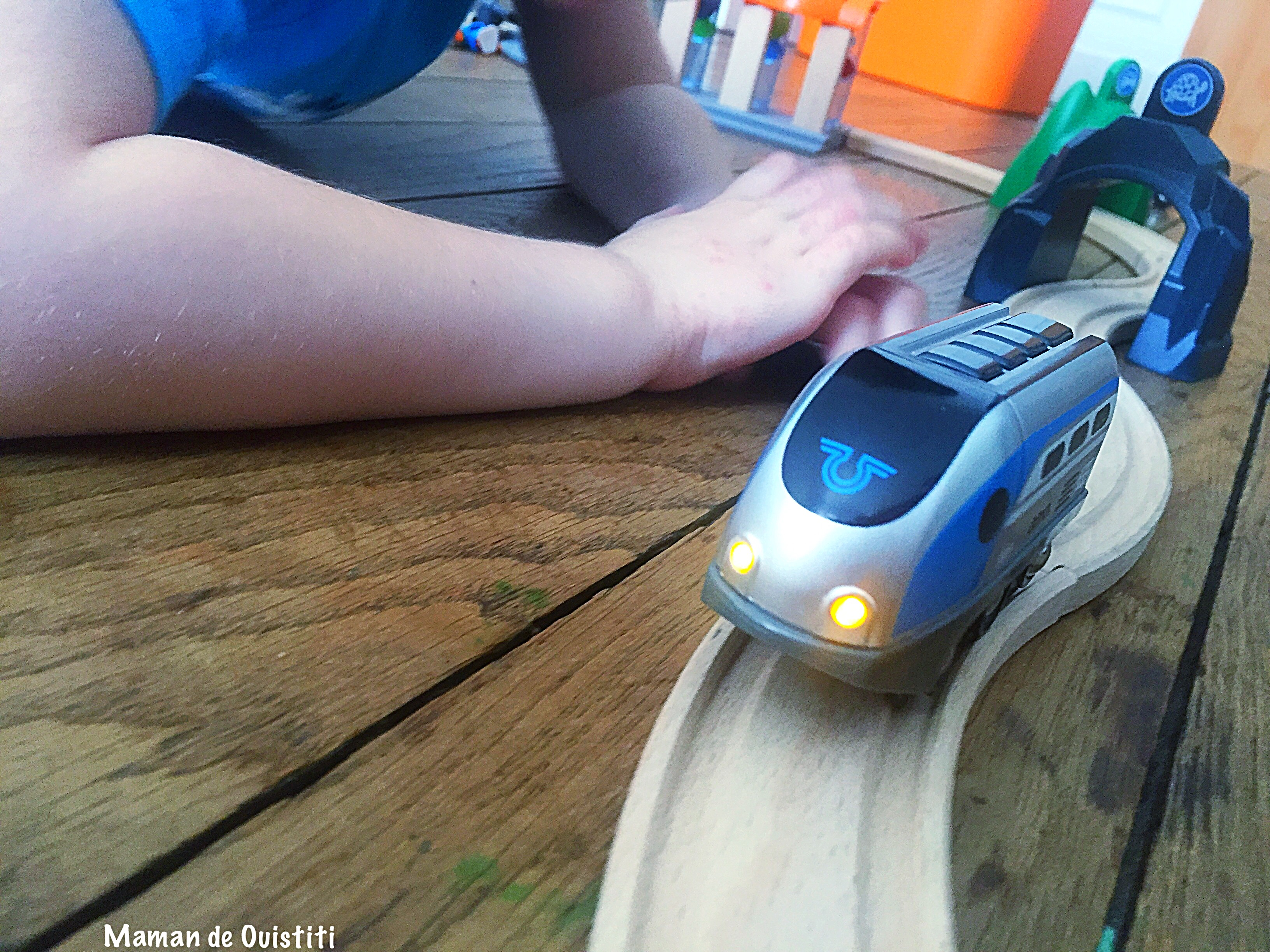 Brio - Smart Tech - trains - locomotive