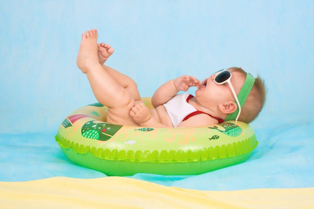 vacances-été-plage-conseil-chaleur-insectes-soleil-bébé-enfant